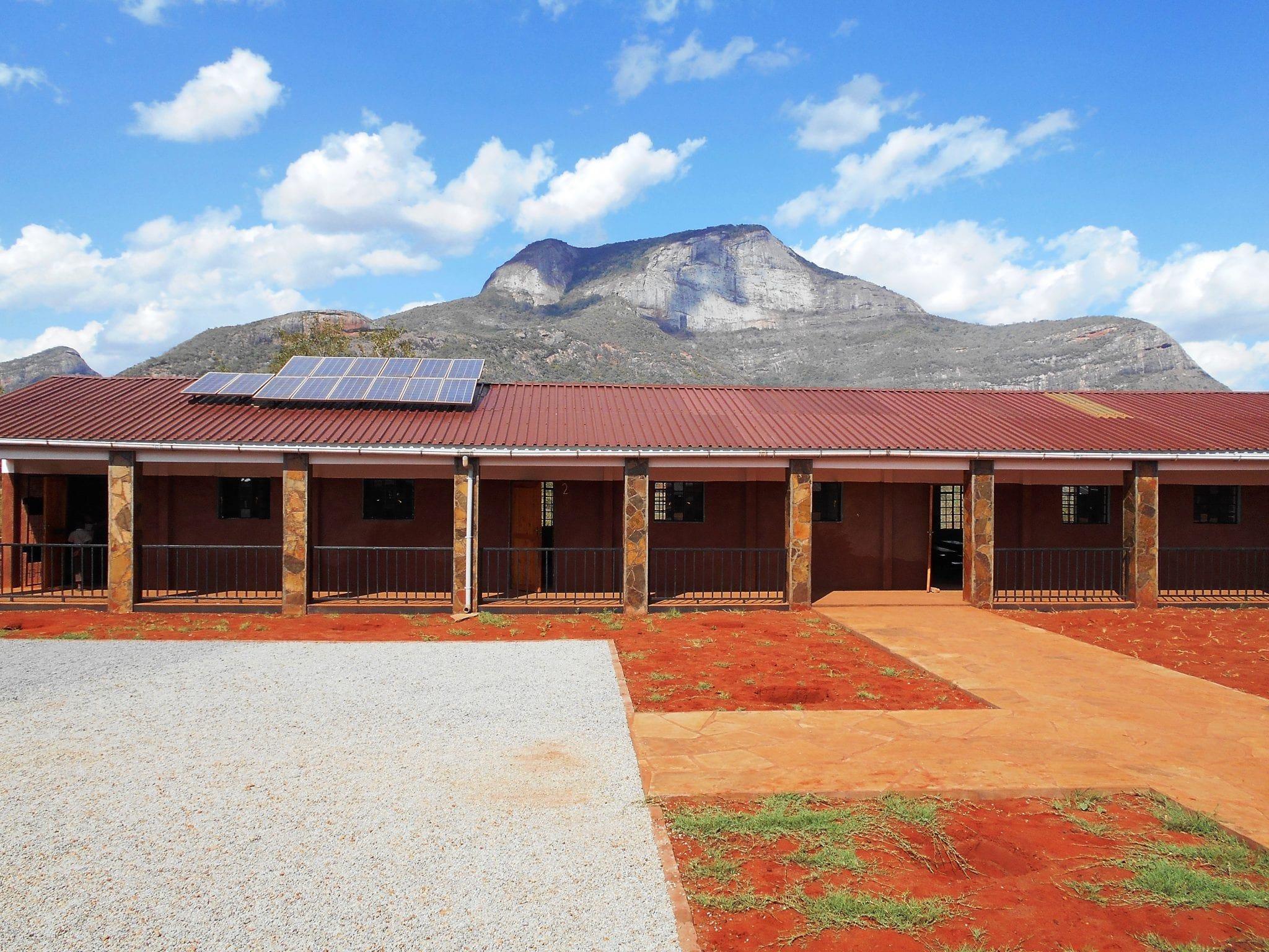 Classrooms with mountain backdrop (13.03.2017)