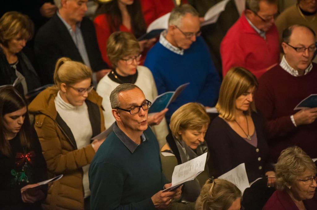 carol-concert-guests-singing